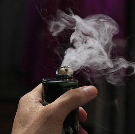 E cigaret med e væske